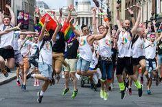 El demonio que acecha a los homosexuales (y del que nadie habla).  La angustia que provoca la homofobia arraigada en la sociedad empuja a gran parte de la comunidad LGTB al consumo de sustancias tóxicas y al daño autoinfligido. Owen Jones · The Guardian / Traducción de Francisco de Zárate | El Diario, 2016-10-23  http://www.eldiario.es/theguardian/demonio-acecha-homosexuales-nadie-habla_0_571843714.html