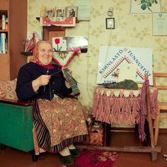 The woman of the Estonia Kihnu Island. (NIHON VOGUE CO.,LTD_Knitting)  Picutre/Ai Iwane
