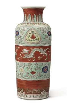A famille-verte cylindrical vase, Qing dynasty, Kangxi period (1662-1722)