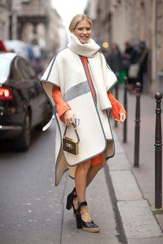 Poncho mit Kleid