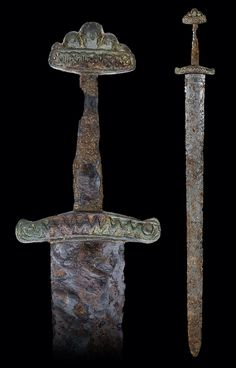 Viking Sword of Petersen Type R (Variant) and Wheeler Type VI, century, probably East European Overall length: cm Blade length: cm Viking Armor, Viking Sword, Viking Age, Les Runes, Sword Hilt, Viking Reenactment, Viking Culture, Medieval Weapons, Norse Vikings