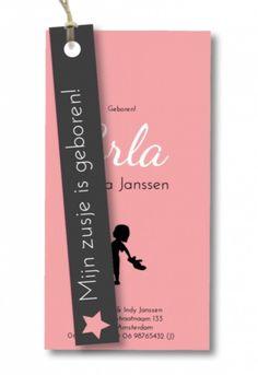 Uniek, origineel en helemaal hip! Dit label meisjes geboortekaartje Erla met een meisjes silhouetje kun je helemaal zelf aanpassen naar wens. Het touw (vlaskoord) wordt er los bij geleverd.