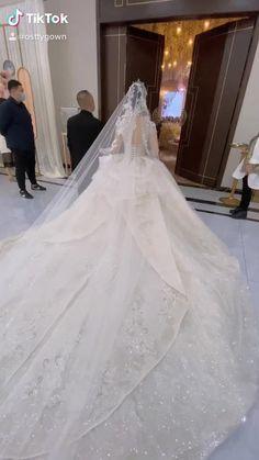 Extravagant Wedding Dresses, Stunning Wedding Dresses, Princess Wedding Dresses, Dream Wedding Dresses, Bridal Dresses, Wedding Videos, Wedding Photos, Weeding Dress, Fairytale Dress