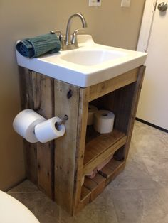 Pallet wood bathroom vanity sink.