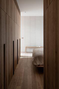 One To Watch: Australian Interior Design Awards 2019 — Studio Gabrielle Australian Interior Design, Interior Design Awards, Interior Design Studio, Interior Styling, Minimalist Architecture, Interior Architecture, White Brick Tiles, Brick Walls, Brutalist Design
