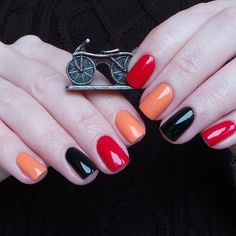 Chanel 605 Tapage и 219 Black Satin, OPI Where Did Suzi's Man-go?