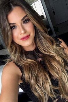 Best 44 Hot Brunette Balayage Hairstyle Ideas https://stiliuse.com/44-hot-brunette-balayage-hairstyle-ideas