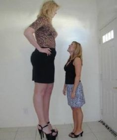 Tallest Woman in USA - Sandra Elaine/Sandra Allen She was Tall, a giant lady