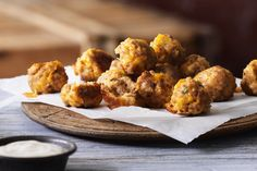 Seeking a great appetizer recipe? You're sure to love our Spicy Sriracha Cheesy Chicken Meatballs! Easy To Make Appetizers, Appetizers For Party, Appetizer Recipes, Chicken Meatball Recipes, Chicken Meatballs, Turkey Recipes, Beef Recipes, Sauce Sriracha, What's Cooking