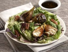 Grilled Figs with Gorgonzola, Spiced Pecans, and Balsamic Reduction: