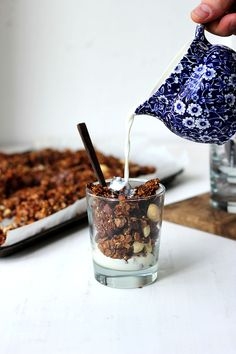Sticky Date Granola / the sugar hit!