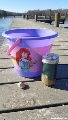 Surprise your little princess with a fun Easter gift like this under the sea craft with ©Disney Princess Easter bucket from Walmart ‪#‎ad‬