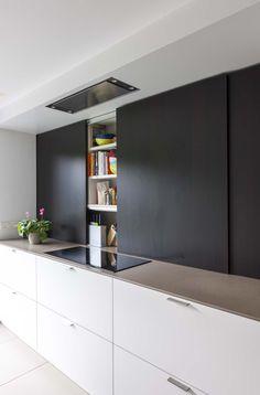 Diy Kitchen Cabinets, Kitchen Cabinet Design, Kitchen Furniture, Small Apartment Kitchen, Hidden Kitchen, Studio Kitchen, Kitchen Dinning, Cuisines Design, Modern Bathroom Design