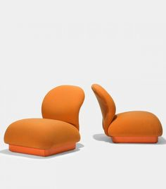 Pierre Paulin; Vinyl Base Lounge Chairs for Artifort, 1980.