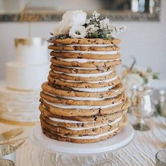 Delicious Alternatives To The Wedding Cake (that Still Give You The Look) Recettes de cuisine Gâteaux et desserts Cuisine et boissons Cookies et biscuits Cooking recipes Dessert recipes Cookie cake Cupcakes, Cupcake Cakes, Cookie Cakes, Giant Cookie Cake, Bolo Cake, Nontraditional Wedding, Elegant Wedding, Rustic Wedding, Cookies Et Biscuits