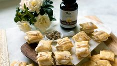 Vanilla Cream Pastries with Vanilla Sea Salt Spring Desserts, Spring Recipes, Fun Desserts, Holiday Recipes, Puff Pastry Dough, Frozen Puff Pastry, Puff Pastry Sheets, Vanilla Paste, Vanilla Cream