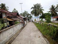 Ihamahu. Dit is zijweg 4, richting de centraal gelegen pier.