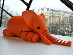 Parisiens, venez au BHV au showcase la Fabrique BHV avec en guest star : l'impression 3D à tous les étages du 3 avril au 9 mai. Manifestation organisée avec la société Malouine le FabShop. ils présenteront leur savoir faire, le fonctionnement des imprimantes 3D (ce sont des Makerbot) etc... un