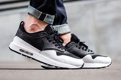 On-Foot: Nike Air Max 1 Royal SE SP Pack - EU Kicks: Sneaker Magazine