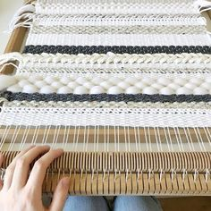 Making pillows in this gorgeous day, what are you up to? Weaving Wall Hanging, Weaving Art, Loom Weaving, Tapestry Weaving, Hand Weaving, Basket Weaving Patterns, Book Baskets, Crochet Cushions, Creation Couture
