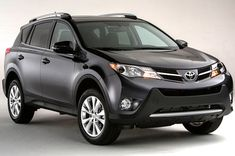 The new Toyota RAV4 2013 does just fine with what customers of this type of crossovers or compact SUVs want want: a higher driving position and a good peripheral vision.