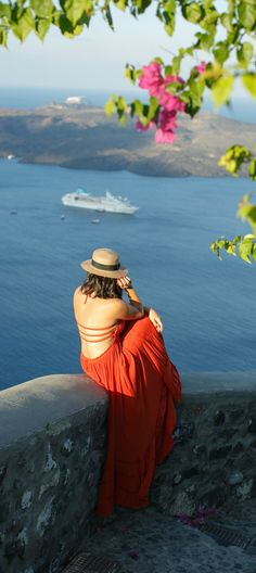Enjoy the beautiful views of Santorini, Greece in your favorite Maxi dress and pair of Clarks sandals. Create a unique style that will leave you feeling adventurous and trendy while exploring a new city.