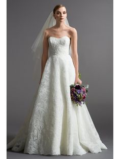 A-line Sweetheart Court Train Lace Wedding Dresses