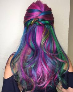 Mesmerized by this unicorn hair colour masterpiece! If you have dreamed of flaunting the perfect unicorn-worthy hair colours, your prayers have been answered ❤ Hair Dye Colors, Cool Hair Color, Unicorn Hair Color, Colored Hair Tips, Dye My Hair, Mermaid Hair, Rainbow Hair, Green Hair, Hair Today