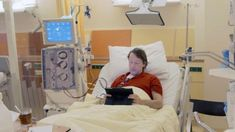 Thousands of kidney patients across Europe desperately need a donor. In Holland many patients are now seeking their own donor through Facebook.