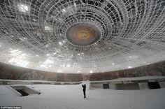 ため息が出るほど美しくてSFなブルガリア共産党の廃墟