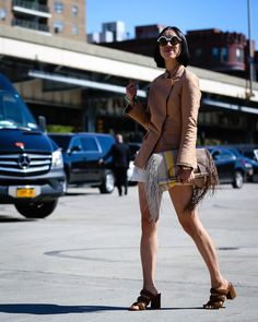 eva chen nyfw #streetstyle #fashion #trends2016 #fashionstyle http://www.bykoket.com/inspirations/category/trends/fashion