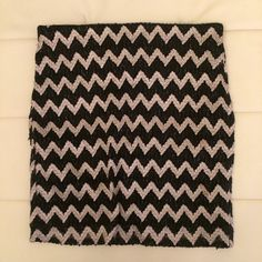 Black & Gold chevron skirt elastic waistband skirt Skirts Mini