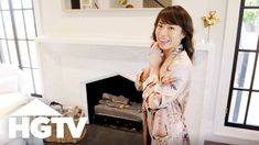 HGTV Drew Scott of HGTV's Property Brothers and longtime girlfriend Linda Phan recently tied the knot! Join Linda on a tour of the couple's new home in. Drew Scott, Hamptons House, The Hamptons, Hgtv Property Brothers, Interior Design Videos, Kitchen Drawing, Scott Brothers, House Drawing, Los Angeles Homes