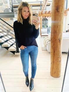 Chic Fall and Winter outfit // How to style a mock neck sweater // Easy to wear outfit for Fall // What I'm wearing in the Fall // fall Fashion outfit // Fall basics // Casual Fall workwear Fall Fashion Outfits, Winter Outfits, Autumn Fashion, Fall Basics, Casual Fall, Everyday Outfits, Affordable Fashion, Outfit Of The Day, Work Wear