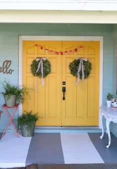 Loving these bright front coral painted doors! So easy to make a statement with bold front door paint choices using Curb Appeal paint. Bright Front Doors, Front Door Paint Colors, Painted Front Doors, Yellow Home Decor, Diy Home Decor, Decor Crafts, Easy Diy Crafts, Diy Craft Projects, Simple Lettering