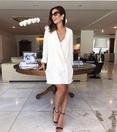 Alfaiataria para o sábado sim! A inspiração vem da bela Fhits @silviabraz com maxi blazer branco @shop2gether proposto como vestido. Versátil moderno e super sofisticado! #FhitsTeam #FhitsTips #FhitsTrendAlert #Saturday