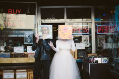 rock and roll wedding photography Elope Wedding, Wedding Pics, Wedding Styles, Dream Wedding, Wedding Dresses, Wedding Songs, Wedding Ideas, Grunge Wedding, Quirky Wedding