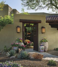 Easy Desert Landscaping Tips That Will Help You Design A Beautiful Yard Front Yard Landscaping, Backyard Landscaping, Landscaping Ideas, Landscape Design, Garden Design, Desert Landscape, Kitchen Design Open, Phoenix Homes, Santa Fe Style