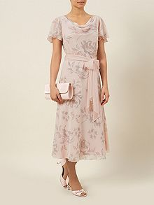 New Jacques Vert Blush Pink with neutral / beige chiffon Rose Burn out print lined dress, supplied with. Rose print burn out in a Blush Pink (Light pink), background. supplied with chiffon optional detachable tie belt. Maxi Wrap Dress, Maxi Dress With Sleeves, Short Sleeve Dresses, Chiffon Dress, Fit Flare Dress, Fit And Flare, Burn Out, Flattering Dresses, Pink Roses