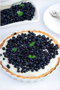 Tarta z mascarpone i jagodami - I Love Bake Delicious Desserts, Yummy Food, Polish Recipes, Food Design, Yummy Cakes, Cooking Time, Baking Recipes, Blueberry, Food Porn