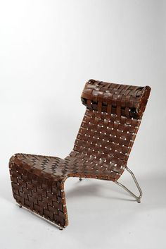 From Triennale Design Museum, Luigi Vietti, Armchair in leather strips (Poltrona in strisce di cuoio) Tubular chromed metal Art Deco Furniture, Design Furniture, Furniture Styles, Chair Design, Vintage Furniture, Modern Furniture, Luigi, Mid Century Chair, Sofa Chair