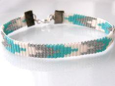 MIYUKI Bracelet ensemble fabriqué à partir de haute qualité japonais perles MIYUKI. Peuvent être achetés chacun séparément ou comme un ensemble. tissé - bracelet 5 rangs- -bracelet 1 rang - filaire Tailles: S'il vous plaît laissez un message avec votre achat sur votre taille. -XS: