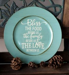 "Decorative Brushed Turquoise Charger Plate ""Bless The Food"" - Kelly Belly Boo-tique Vinyl Crafts, Vinyl Projects, Craft Projects, Circuit Projects, Charger Plate Crafts, Bless The Food, Painted Plates, Painted Pottery, Mugs"