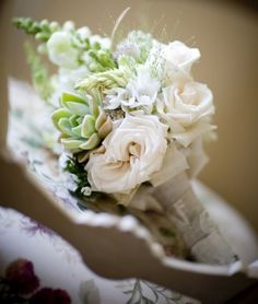 Bouquet Bridal: Green and White Wedding Bouquet