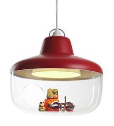 Scopri Sospensione Favourite things -/ Vetrina, Rosso lampone di Eno, Made In Design Italia