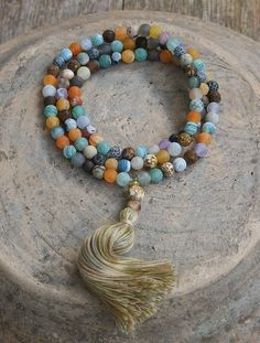 Mala necklace made of 108, 8 mm - 0.315 inch, beautiful frosted agate gemstones - look4treasures on Etsy