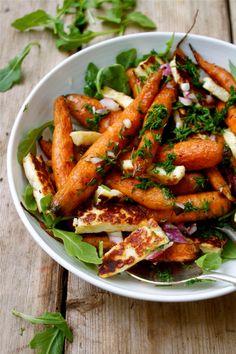 Cumin Roasted Carrots with Haloumi & Fresh Dill - in pursuit of Carrot Recipes, Veggie Recipes, Salad Recipes, Vegetarian Recipes, Cooking Recipes, Chard Recipes, Vegan Meals, Vegan Desserts, Gastronomia
