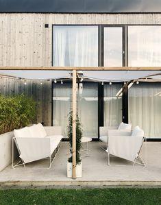 Fix i trädgården - Rebecca Centrén Outdoor Lounge, Outdoor Spaces, Outdoor Living, Outdoor Decor, Patio Design, House Design, Balcony Plants, Garden Styles, Garden Furniture