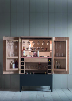 Frans drinks cabinet from Pinch