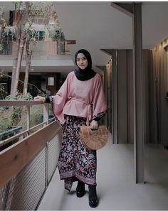 @nisacookie Model Kebaya, Brocade Dresses, Abaya Fashion, Hijab Outfit, Peplum, Abaya Style, Hijabs, Womens Fashion, How To Wear